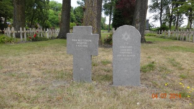 WWI - German soldiers, Christian & Jew side by side