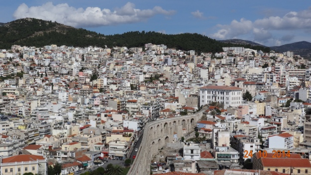 The aqueduct and the more modern town of Kavala. It's amazing how densly packed everything is. The roads are jam packed and it seems it's the norm to double and triple park