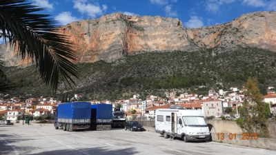 Parked up at Leonado under the towering cliffs