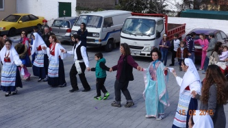 Who's that dancing next to the 'Japanese lady'?