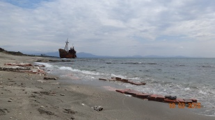 The famous shipwreck at Selnitsa Beach, just north of Githeo