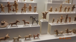 loads of tiny statuettes