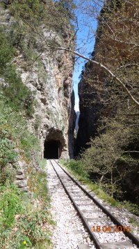 The narrowest point in the gorge; 'Sifone' (the doors)..