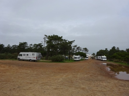 Free parking at Praia de Cabeco